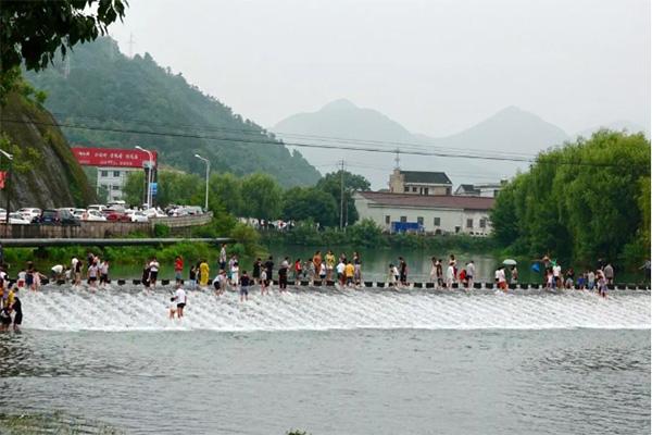 杭州网红龙鳞坝在哪里